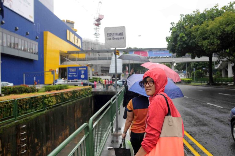 Singapore lg ujan mulu, sama kaya Bandung..