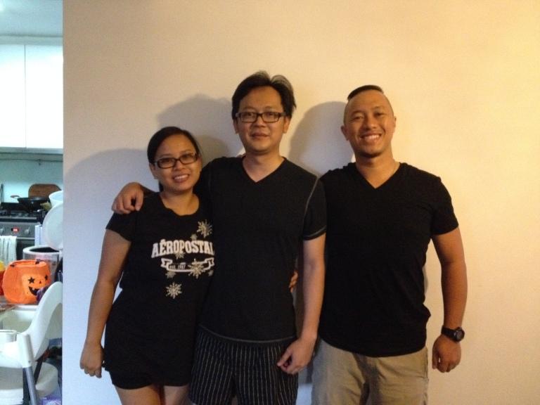 tuan rumah yang super baik :) terimakasih banyak ya Enji&Arizky! :)