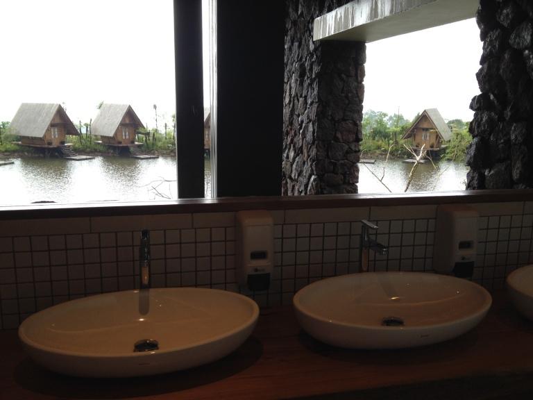 nah kalo ini view dari toilet :)